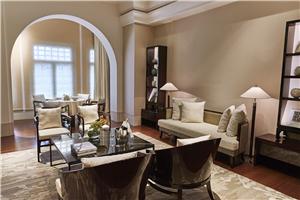 新加坡首都凯宾斯基酒店传统套房客厅