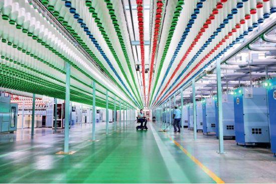(资料图片)江苏的一家纺织企业。竞争中性原则虽然主要针对国有企业,但借鉴竞争中性原则启动必要改革,有助于更好地提振民间信心与市场预期,进一步激活民营企业创新与投资活力,推动经济增长。图/视觉中国