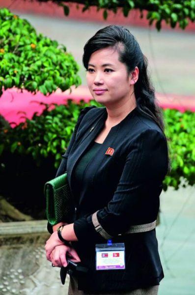 """玄松月不雅视频_金正恩""""秘书""""玄松月:从美女歌手到""""朝鲜最有权势的女性 ..."""