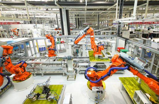 """吉利义乌""""微米工厂""""拥有世界先进的高端智能生产设备"""