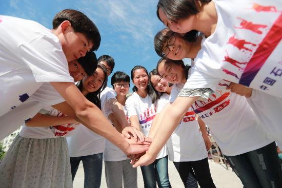 """2.""""旭航""""助学项目,为8省20县1.14万人次贫困高中生提供生活学习支持"""