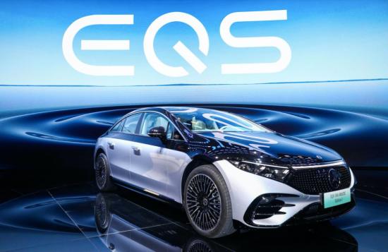 全新EQS纯电轿车中国首秀树立大型豪华纯电轿车市场全新标杆