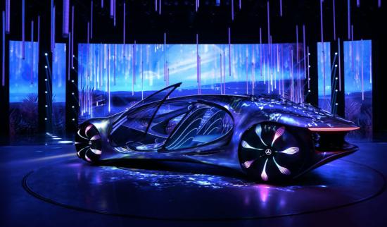 梅赛德斯-奔驰VISION AVTR概念车中国首发生动演绎人、车、自然之间的和谐交互